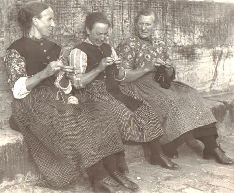 Knitting women 1