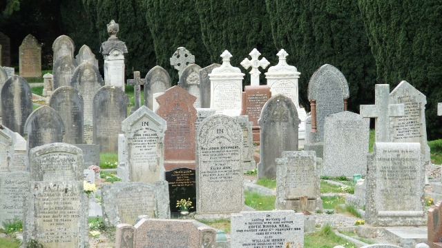 The grave of Harry Rogers, Tavistock, Devon & lost on the Titanic