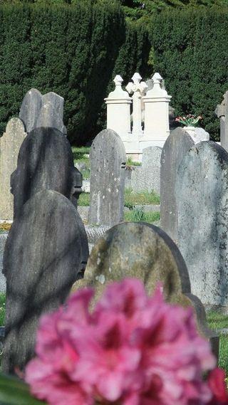Titanic grave 2 1
