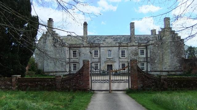 Cadhay manor ed