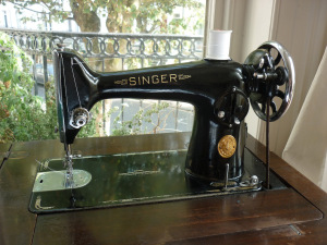 Singer Sewing Machine 201K © TomofHolland