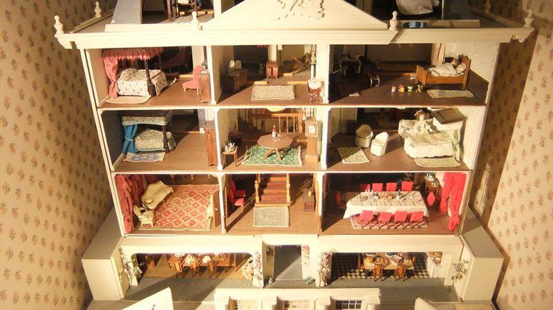 Overbecks dolls house