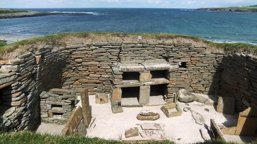 Orkney 2012 skara brea + hut + sea + 3