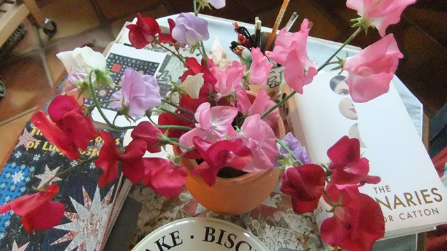 Tales From the Potting Shed   Sweet Peas - dovegreyreader scribbles