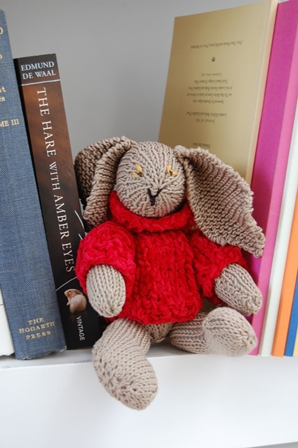 Knitsuke...the Hare with Amber Eyes
