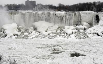 Frozen Niagara (Daily Telegraph)