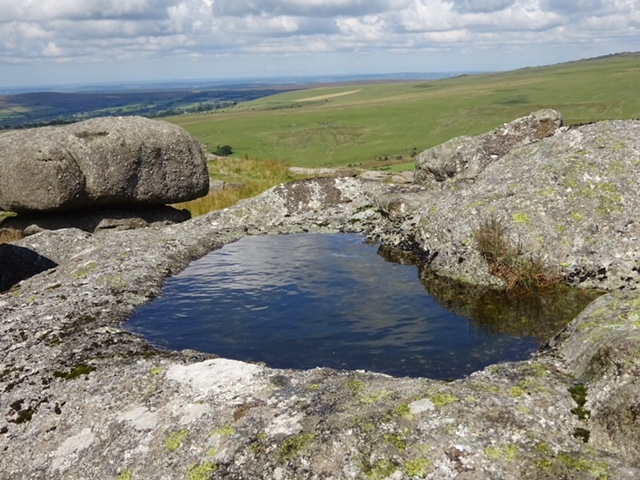 Roos tor rock basin