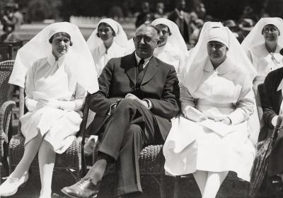 1933_Jubilee_Dr_Chisholm