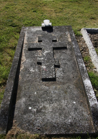 Sydney Gibbes's grave in Headington, Oxford